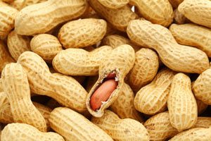 eat-peanuts-to-protect-your-heart