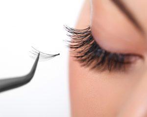 healthy eyelashes naturally