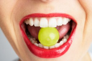 oral allergy syndrome causes and symptoms