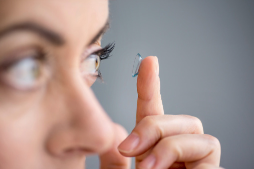 Eye infection risks due to contact lenses
