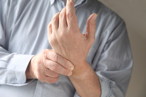 difference between tendonitis and carpal tunnel syndrome