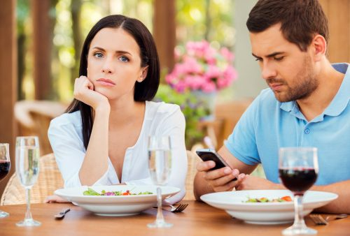 Cellphones harm relationships and lead to depression: Study