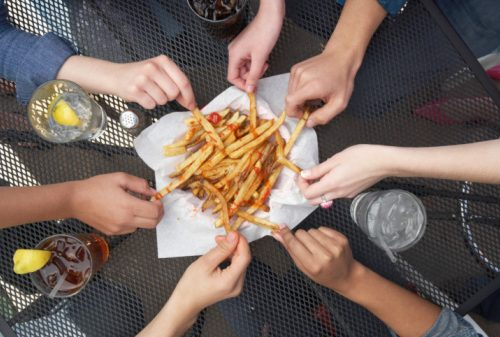 Americans eat all day and don't follow 3 meals rule: Study