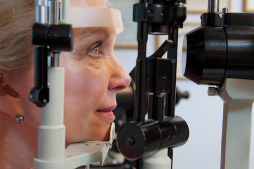 Glaucoma fall risk in elderly reduced, detected early by measuring gait abnormalities
