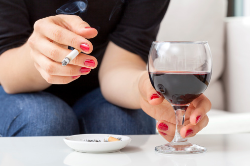 Recovering alcoholics prone to relapse if smokers