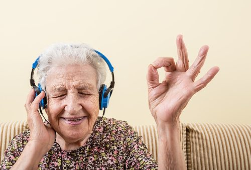 Singing benefits memory and mood, especially in early dementia