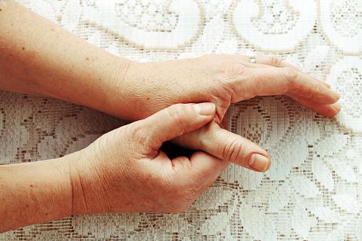 Hepatitis C virus infection causes rheumatoid arthritis, before HCV detection