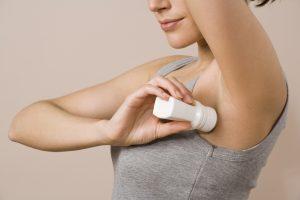 antiperspirant-deodorant-harms-underarm-bacteria-study