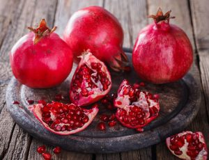 10 health benefits of drinking pomegranate juice