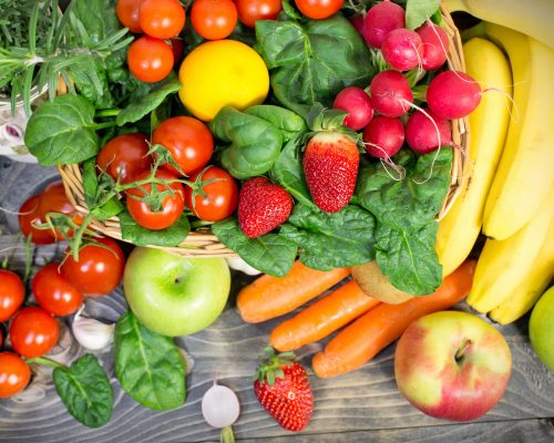 Breast cancer risk lowered with high fruit consumption in teens