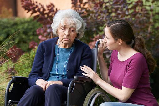 Dementia, cognitive decline risk increases with delirium in elderly
