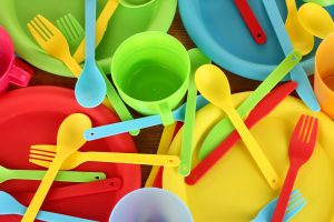Kidney stone risk increases from melamine tableware and acidic foods