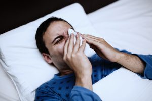 Pneumonia vs. Cold: Difference in symptoms, causes, and treatments