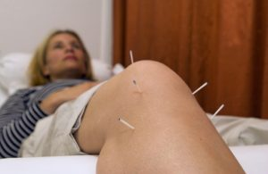 chronic-knee-pain-treatment-acupuncture