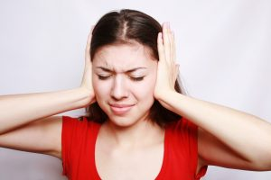 Hyperacusis causes, symptoms, treatment – and its relation to tinnitus