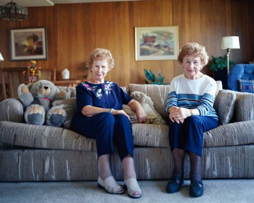 Twins live longer than single-born people