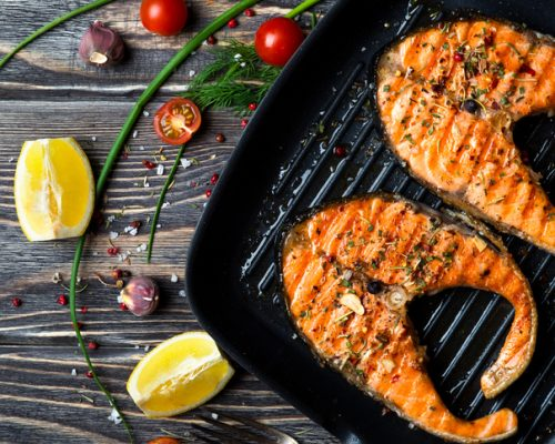 Alzheimer's disease and memory problems risk may be lowered by eating baked and broiled fish