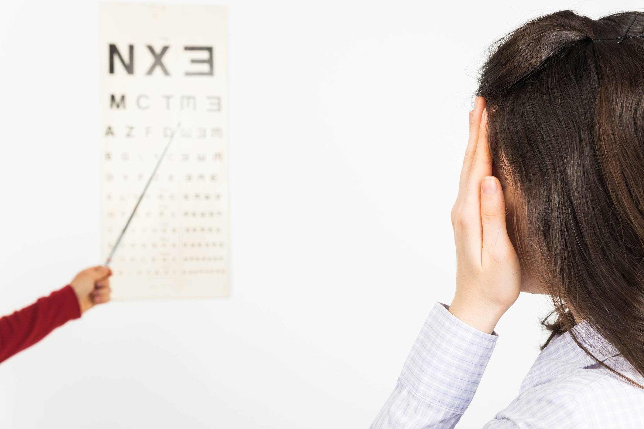 amsler grid test to detect damaged caused by macular degeneration or other eye disease