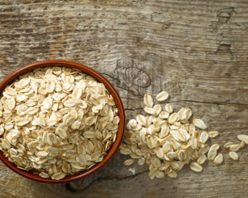 Cholesterol levels and heart disease risk may be lowered by eating oats: Study