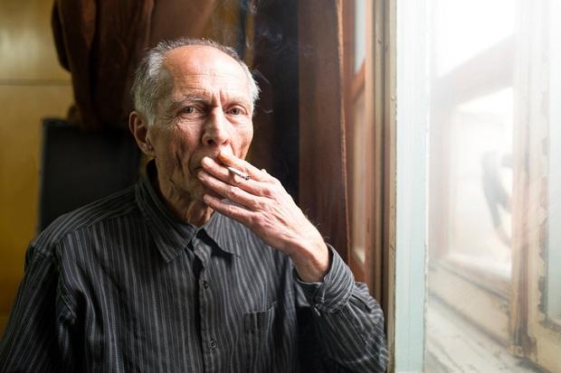 In rheumatoid arthritis, smoking and excess weight reduce symptom improvement from treatment