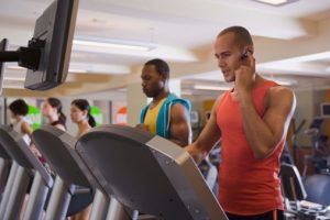 Cell phone use affects workout intensity