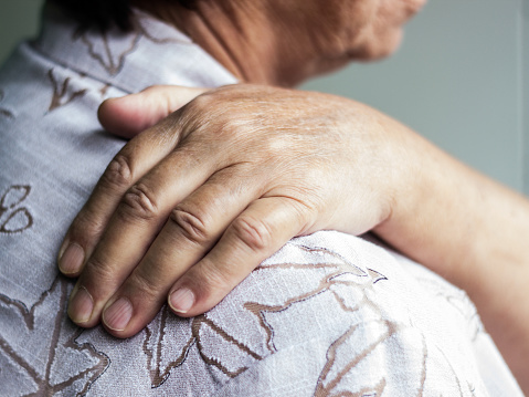 arthritis-in-shoulder-blades-joints