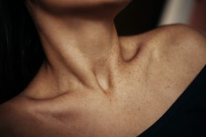 Clavicle-collarbone-pain-Causes-home-remedies-and-prevention-tips
