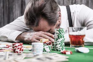 brains of gambling addicts demonstrate risk taking behavior