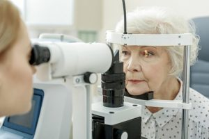 Ophthalmologists use more evidence-based approaches than optometrists