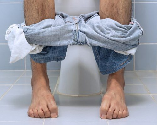 Painful bowel movement: Causes and how to cure it