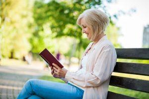 démence en lecture senior &quot;width =&quot; 300 &quot;height =&quot; 200 &quot;/&gt; En vieillissant, nos corps cessent de fonctionner au même niveau qu&#39;auparavant. avant et peuvent remarquer une diminution significative de l&#39;énergie et de l&#39;endurance. </p> <p> Les effets du vieillissement peuvent également avoir des répercussions sur la santé de notre cerveau. Pour beaucoup, cela signifie simplement oublier où nous avons laissé des choses ou l&#39;âge de nos petits-enfants. Ce qui est plus préoccupant, c&#39;est quand le déclin cognitif devient plus que l&#39;oubli. Avec des taux de <a href=