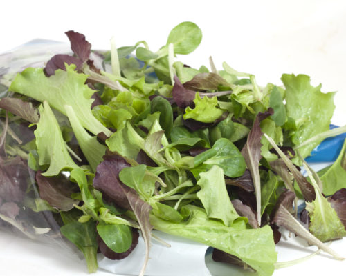 two-colored salad with freshness-saving package