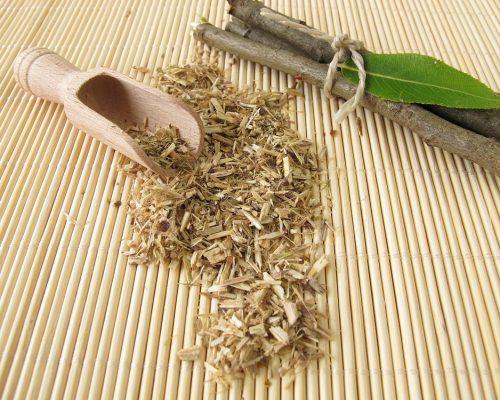 Loose tea from willow bark - Loser Tee aus Weidenrinde